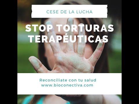 una mano parando la pantalla y con el texto de stop torturas